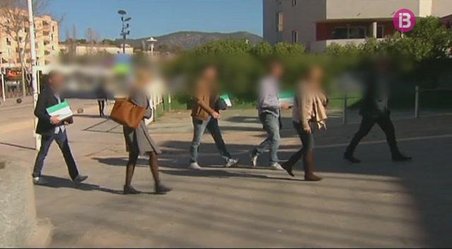 La+Policia+Nacional+escorcolla+la+discoteca+BCM