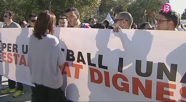 Els+policies+interins+es+manifesten+a+Palma+en+defensa+dels+seus+drets