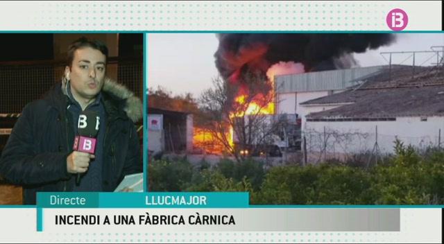 Un+incendi+crema+l%27antiga+f%C3%A0brica+de+carn+i+embotits+de+Llucmajor