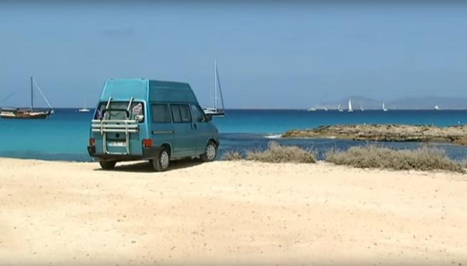 Les+furgonetes+amb+llit+eludeixen+la+llei+que+prohibeix+les+autocaravanes+a+Formentera