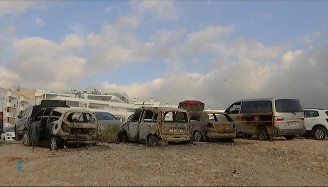 Un+incendi+calcina+tres+cotxes+i+en+malmet+un+quart+a+Sant+Antoni