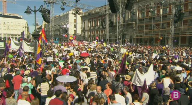 Podem+escenifica+la+moci%C3%B3+de+censura+a+Rajoy