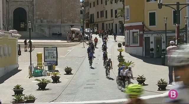 Els+ciclistes+de+Menorca+demanen+m%C3%A9s+seguretat+a+la+carretera