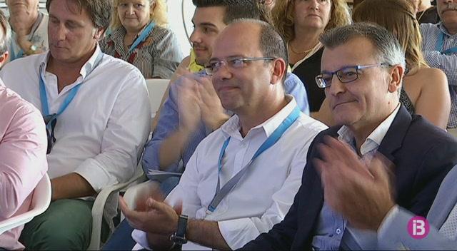 Miseric%C3%B2rdia+Sugra%C3%B1es%2C+nova+presidenta+del+PP+de+Menorca+amb+el+99%2C3%25+dels+vots