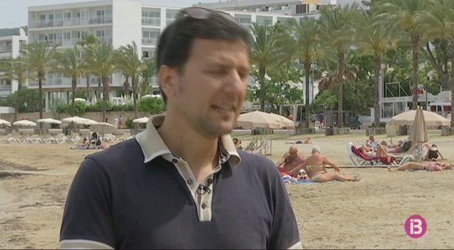 Sant+Antoni+estudia+el+nombre+m%C3%A0xim+de+visitants+i+activitats+que+pot+suportar+cada+platja