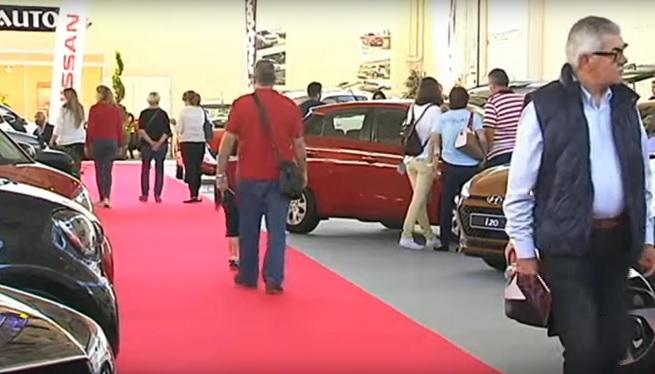 Baixen+un+5%25+les+vendes+de+cotxes+nous+a+les+Piti%C3%BCses