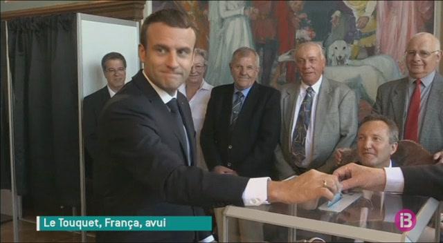 Els+partits+que+donen+suport+a+Macron+haurien+tret+majoria+absoluta