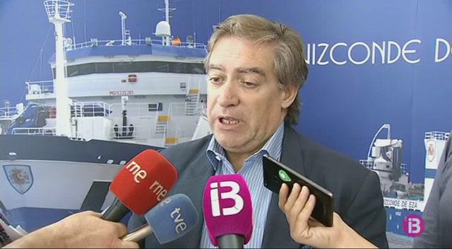 El+secretari+general+de+Pesca%2C+Alberto+L%C3%B3pez-Asenjo%2C+visita+el+vaixell+cient%C3%ADfic+Miquel+Oliver
