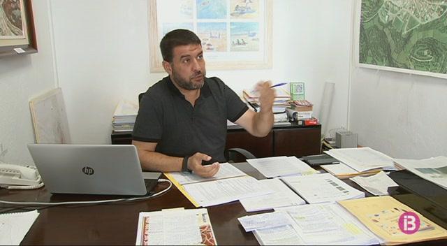 Pere+Moll%2C+proclamat+Caixer+Batle+amb+l%27abstenci%C3%B3+dels+seus+exregidors+socialistes