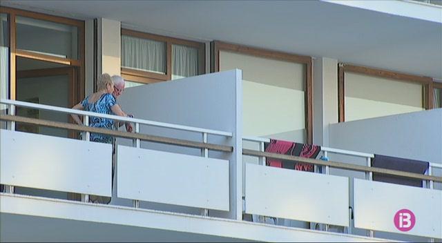 Els+hotelers+de+Sant+Antoni%2C+preocupats+pel+lloguer+tur%C3%ADstic+il%C2%B7legal