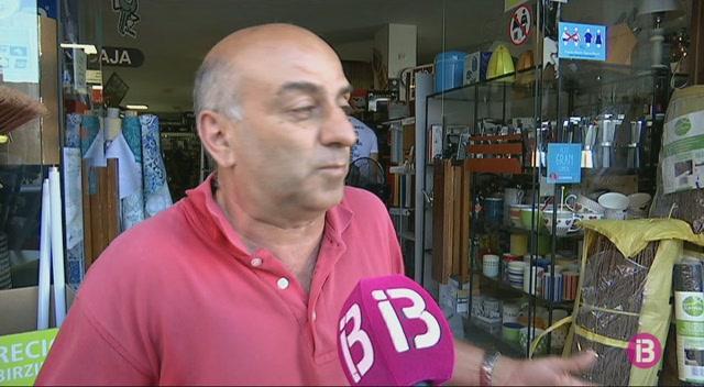 Els+comerciants+de+Sant+Antoni+perden+clients+per+la+desaparici%C3%B3+de+la+zona+blava+de+pagament