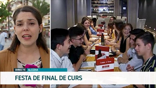 Milers+d%27estudiants+celebren+la+fi+de+curs+al+Port+d%27Alc%C3%BAdia