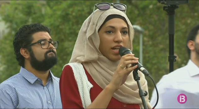 Les+entitats+musulmanes+es+manifesten+en+contra+del+terrorisme