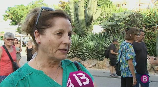 M%C3%A9s+de+150+cambreres+de+pis+es+manifesten+a+Eivissa