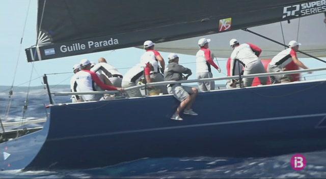 L%27Azzurra+lidera+la+flota+a+Menorca