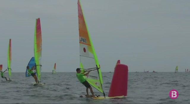 Mateo+Sanz%2C+subcampi%C3%B3+del+m%C3%B3n+de+windsurf