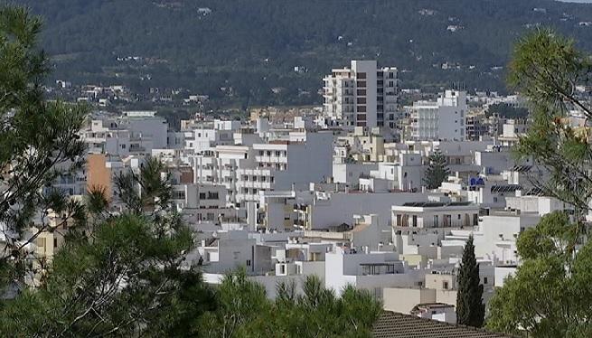 Com+encaixar+els+habitatges+tur%C3%ADstics+enmig+de+la+crisi+habitacional+d%27Eivissa