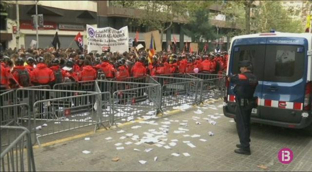 Manifestacions+a+la+seu+del+PP+a+Barcelona+i+a+la+comissaria+de+la+Policia+a+Via+Laietana
