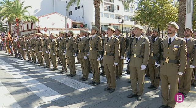 Jura+de+bandera+multitudin%C3%A0ria+a+Eivissa+amb+crides+a+la+unitat+d%27Espanya