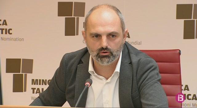 Menorca+redueix+l%27%C3%BAs+del+vehicle+privat%2C+tot+i+que+el+53%25+dels+despla%C3%A7aments+es+fan+en+cotxe