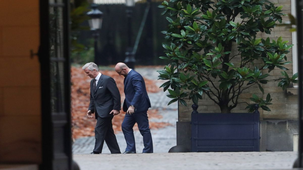 El+rei+de+B%C3%A8lgica+accepta+la+ren%C3%BAncia+del+primer+ministre+Michel