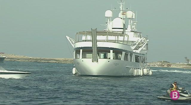 Formentera+presenta+una+proposta+per+posar+l%C3%ADmits+al+fondeig+de+vaixells