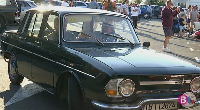 90+cotxes+cl%C3%A0ssics+recorren+les+carreteres+de+Menorca