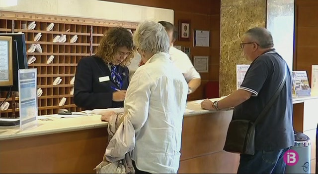 Arriben+a+Menorca+els+primers+turistes+de+l%27Imserso+que+viatjaran+a+les+Balears