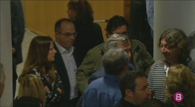 El+PSOE+assegura+que+ha+pactat+amb+el+Govern+de+Rajoy+convocar+eleccions+al+gener+a+Catalunya%2C+un+pic+s%27apliqui+el+155