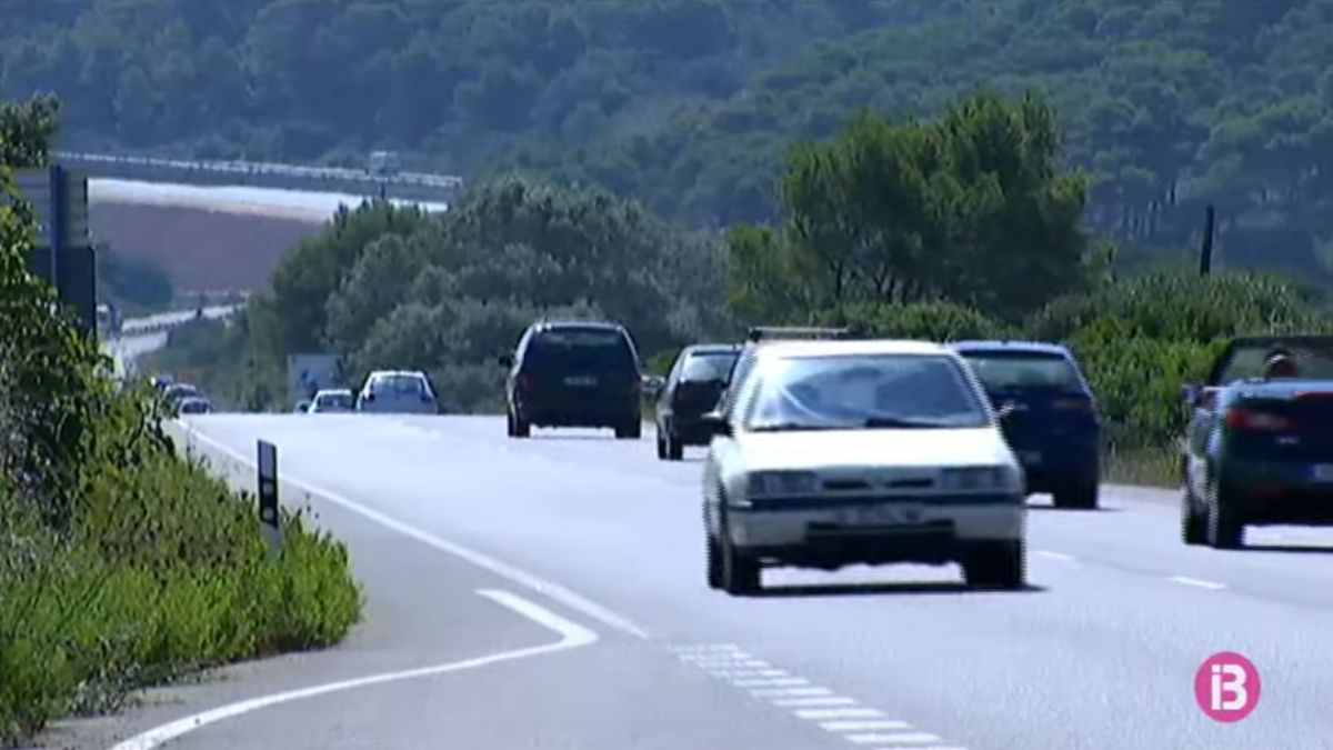 Les+informadores+de+la+Reserva+de+Biosfera+de+Menorca+proposen+que+s%27estudi%C3%AF+limitar+els+vehicles+de+lloguer
