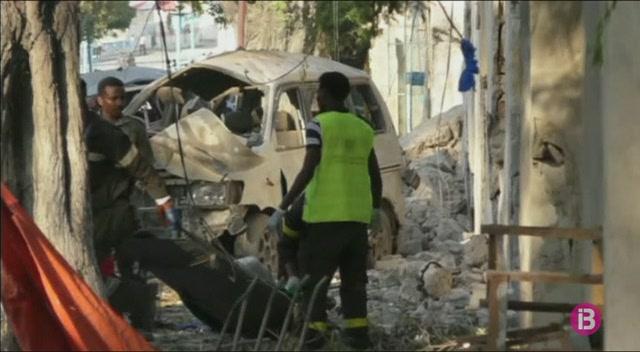 L%27atac+terrorista+a+Mogadiscio%2C+a+Som%C3%A0lia%2C+deixa+25+morts