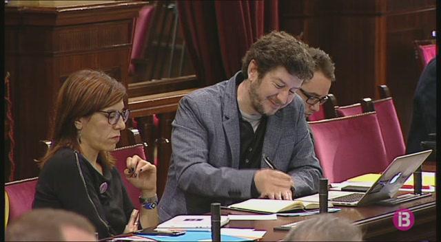 Catalunya+torna+a+centrar+el+ple+del+Parlament