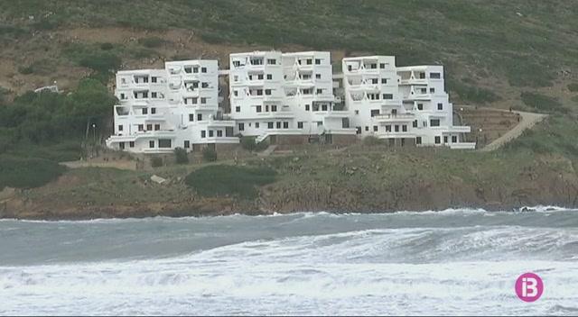 El+temporal+per+vent+i+mala+mar+deixa+nombrosos+desperfectes+a+Menorca