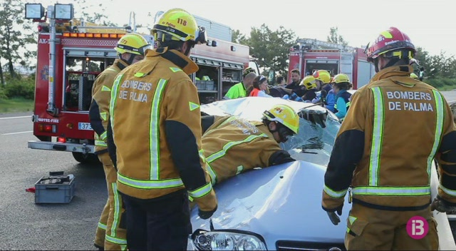 Accident+amb+dos+ferits+a+l%27autopista+d%27Inca