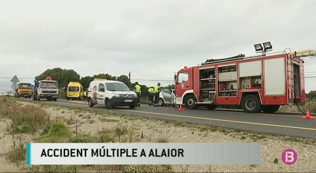 Dos+ferits+en+un+accident+m%C3%BAltiple+a+la+carretera+general+de+Menorca