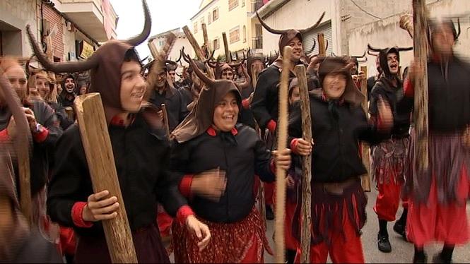 Els+dimonis+desperten+el+poble+de+Santa+Margalida+en+el+dia+gran+de+la+Beata