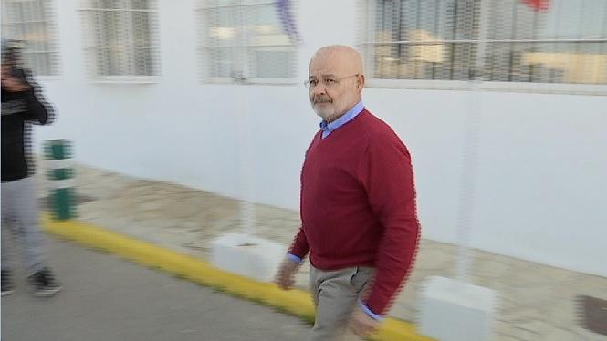 Josep+Juan+Cardona+aconsegueix+un+perm%C3%ADs+per+estar+a+casa+seva+amb+control+telem%C3%A0tic