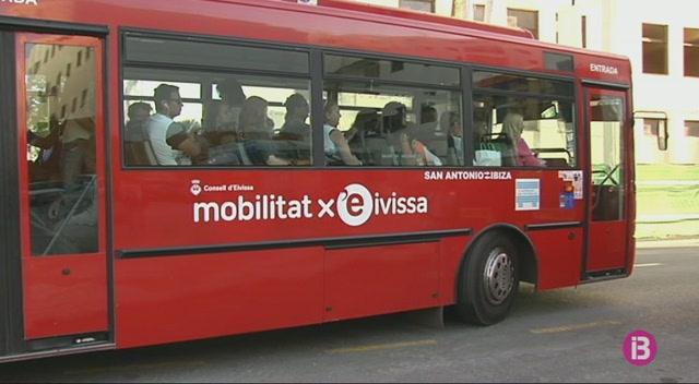 Els+menors+podran+viatjar+de+franc+en+bus+a+Eivissa+a+partir+del+9+de+gener