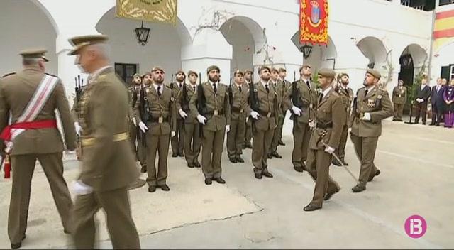 Tres+condecorats+en+una+solemne+celebraci%C3%B3+de+la+Pasqua+Militar+a+Ma%C3%B3