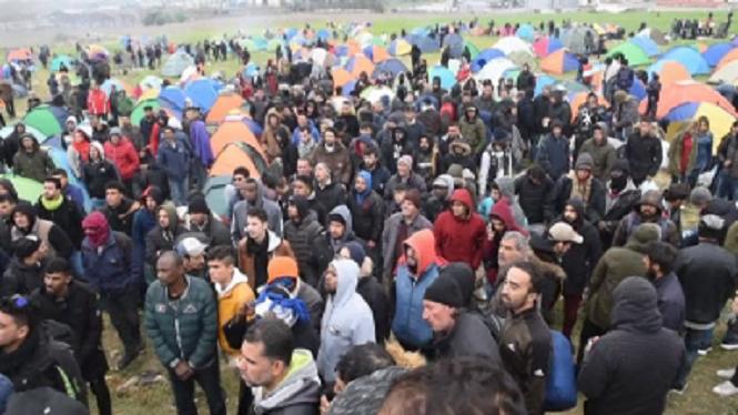 Gr%C3%A8cia+amena%C3%A7a+amb+sancions+els+migrants+de+la+frontera