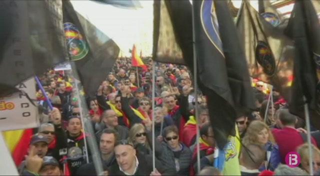 Policia+Nacional+i+Gu%C3%A0rdia+Civil+demanen+a+Barcelona+l%27equiparaci%C3%B3+salarial+amb+els+Mossos+d%27Esquadra+i+l%27Ertzaintza