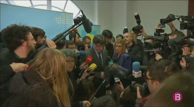 Puigdemont+no+descarta+tornar+a+Catalunya+per+la+investidura%E2%80%A6+per%C3%B2+encara+no+sap+com