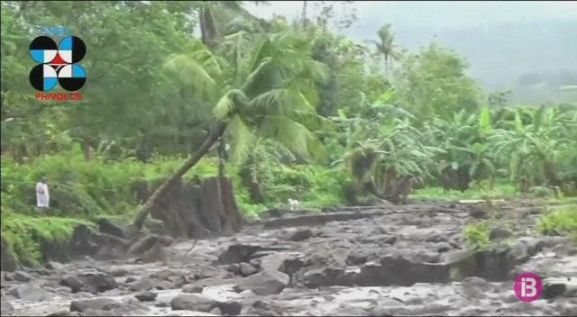 77.000+evacuats+a+Filipines+per+l%27erupci%C3%B3+del+volc%C3%A0+Mayon