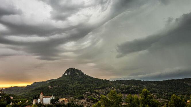 La+DANA+provoca+12+incidents+lleus+a+Mallorca+per+vent+i+fortes+pluges