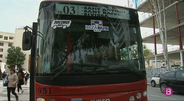 El+transport+p%C3%BAblic+d%27Eivissa+prioritza+el+turista+davant+del+resident