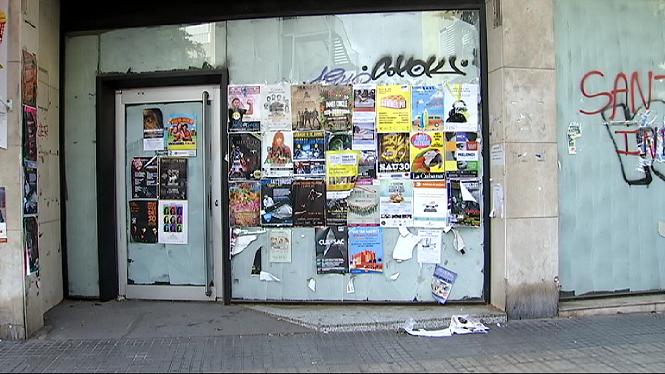 Proliferen+els+locals+buits+arran+del+tancament+de+sucursals+banc%C3%A0ries