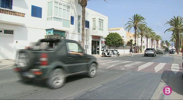 La+llei+que+limitar%C3%A0+l%27entrada+de+vehicles+a+Formentera+contempla+multes+de+fins+a+6.000+euros