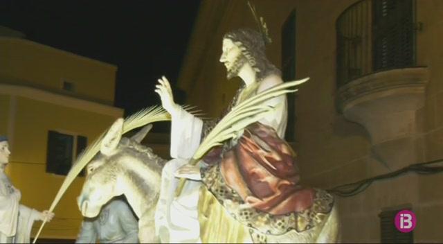 El+bisbe+de+Menorca+presideix+la+process%C3%B3+del+Sant+Enterrament+de+Ciutadella