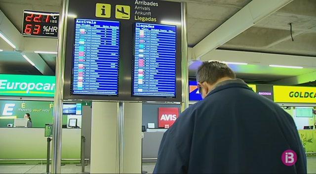 8+vols+cancel%C2%B7lats+a+les+Illes+per+la+vaga+dels+controladors+francesos