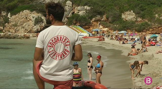 M%C3%A9s+socorristes+i+durant+m%C3%A9s+hores+a+les+platges+de+Menorca